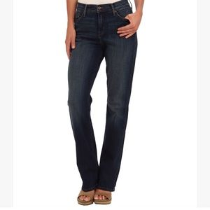 Levi's 512 Perfectly Slimming Boot Cut -14P